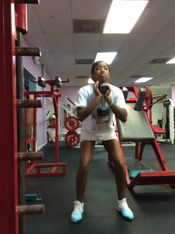 Gaby at the gym 002